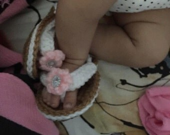 Crocheted baby flip flops/ crochet baby sandals/ baby shoes/ Little Flip Flops/NEWBORN Sweet Little Flip Flops with Flower (Ready to Ship)