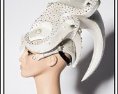 SALE 15 % OFF SALE  Pearly Alien… Alien Headdress in Elegant White Headdress