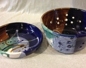 Abalone colored berry bowl/collander with base.