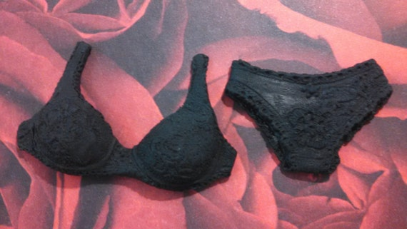 how to make a fondant bra