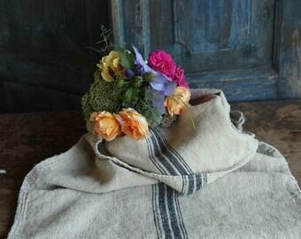 Nr. A156:  antique handloomed DEEP OCEAN BLUE grain sack for pillows cushions runners 19.29  wide
