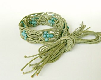 """Vintage macramé cord and wooden beaded and fringed tie belt. Khaki, turquoise, hippie, 60's, 70's. 28"""" (71cm) and larger waist."""