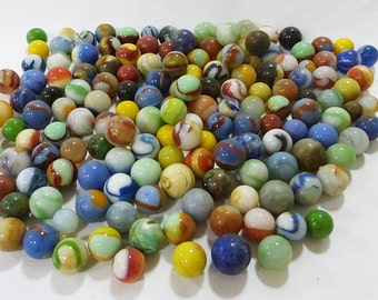 Marbles vintage lot of 158 in various sizes colors designs materials