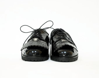 Salvatore Ferragamo Black Patent Leather Lug Sole Oxfords W Removable Fringe. New Mint Deadstock.