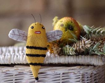 Bee. Pin.