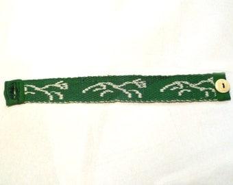 Uffington White Horse Tablet Woven Bracelet - White and Green
