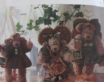 Simplicity 7000/Craft Sewing Pattern/12 in Bears + Clothing/Dream Babies/Dolls/Stuffed Animals/1996