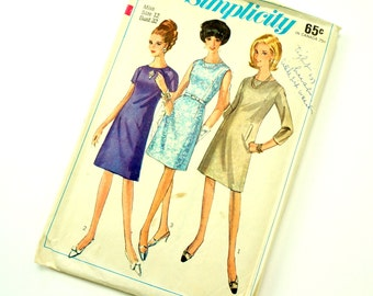 Vintage 1960s Womens Size 12 One Piece A-Line Dress Simplicity Sewing Pattern 6781 Complete / Bust 32 waist 25