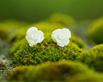 White Rose Stud Earrings, Tiny Flower Earrings, Delicate Earrings,Gift for Girls, Woodland Jewelry