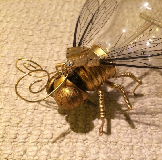 Unique Steampunk Clockwork Fly/Insect Lightbulb Sculpture