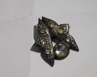 Vintage Silver Metal and White Glass Deco Pin