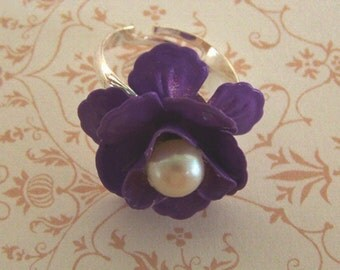 Purple Rose Ring, Pearl and Purple Enamel Ring, LILAC Flower, Adjustable Ring, silver Plated ring, Flower and Pearl Jewelry. Flower ring