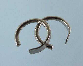 Niobium earrings: 14 gauge small horseshoes - KISS9-14