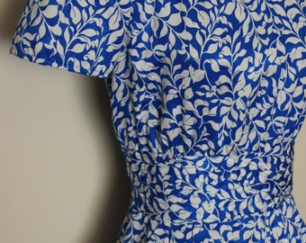 FREE SHIPPING Vintage Blue White Print Dress by Maggie Boutique     Size 6