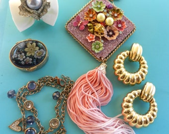 Sale -  Lovely mix  vintage Jewellery - 5 dazzling pieces perfect to be worn or collected necklace,earrings,ring,bracelet - Art.407-
