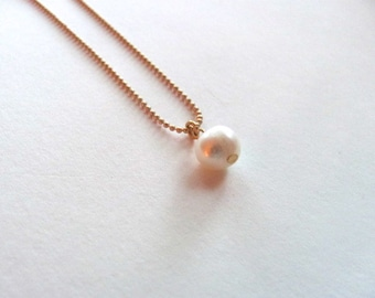 Single ivory freshwater pearl on 14k gold plate chain, bridesmaid jewelry, flower girl jewelry, everyday necklace