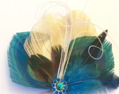 Peacock Hair Fascinator Ivory and Turquoise Bridal feather Clip Bride or Bridesmaid with Vintage Rhinestone Jewel.