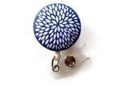 Periwinkle Daisy Flower Retractable ID Badge Holder - Name Badge Holder - Nurse Badge Holder - Medical Badge Holders - RN Badge Clip