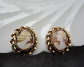 Vintage Cameo Screwback Earrings 12Kt Gold Filled Pretty & Petite