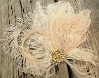Wedding Hair Clip, Bridal Fascinator, Gold Brooch, Feather Fascinator, Ivory Wedding Fascinator,Ivory Hair Clip, Ivory Wedding Hair Clip