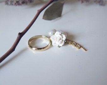 Kiss From A Rose-White Ring