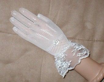 Vintage wrist length White Fishnet Gloves