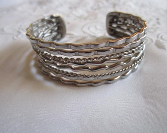 Vintage Eight-Strand Silver Tone Bangle Bracelet