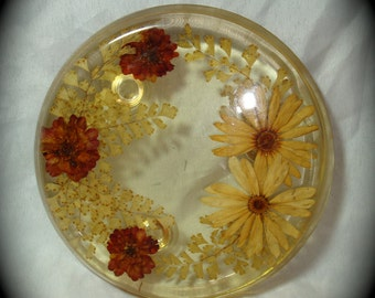 1970s Round Resin with Dried Flowers Trivet.