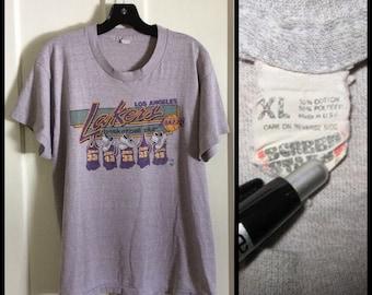 Vintage 1980's LA Lakers Basketball Team Jersey T-shirt size XL 33 32 Kareem Abdul Jabbar Magic Johnson