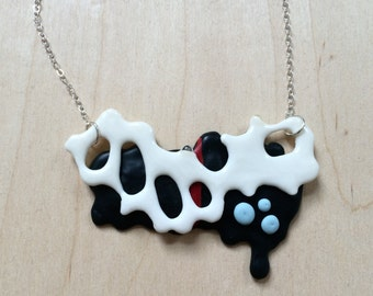 Organic Black and White Necklace