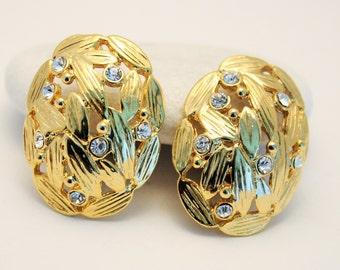 Vintage earrings. Clip on earrings. Crystal earrings. Big earrings