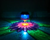 Daisy Painted Solar Luminary/ReCLAIMED Wine Glass Solar Powered LED/Hurricane Lantern/Outdoor Light/Stained Glass/Centerpiece/ProjectionLamp