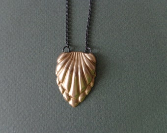 Vintage brass necklace shell