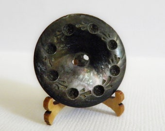 Antique Black Shell Whistle Button
