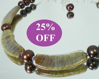 NOW 25% OFF Curves Ahead Necklace Handmade Borosilicate and Chocolate Freshwater Pearl Collar Necklace