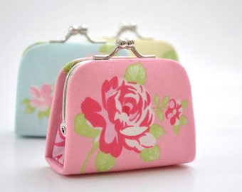 Vintage Rose in Pink - Tiny Kiss lock Coin Purse/Jewelry holder