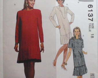 Petitable Dropped Waist Dress Sewing Pattern With C and D Cup Size Options - McCall's 6137  - Size 18, Bust 40