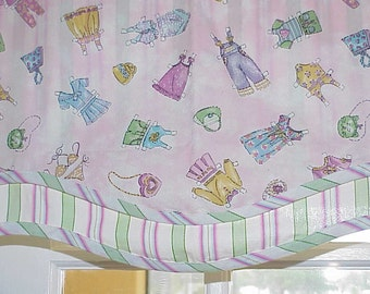 Free Shipping..Vintage Waverly Pink Paper Doll Design Girls Room Valance 55 wide