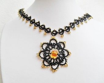 Tatting  Set Jewelry / Necklace with pendant and earrings, frivolite jewelry, lace jewelry, black lace  jewelry