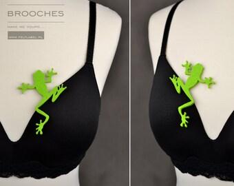 Felt brooch light green frog shape light green frog