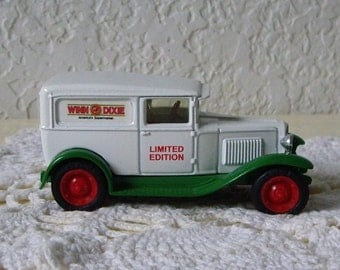 Die Cast Collectible Winn Dixie 1930 Chevrolet Series 1/2 Ton Delivery Truck, Limited Ed. Ertl