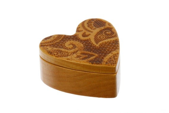 "Lace Design Heart Shaped Box, 2-1/4""  x  2-1/4""  x  1"" deep, Solid Cherry Wood, Pattern H14 Engraving, Paul Szewc"