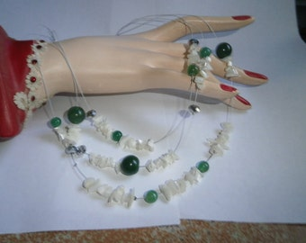 Vintage Genuine Chrysophille Jade with Motherpearl rocks Necklace