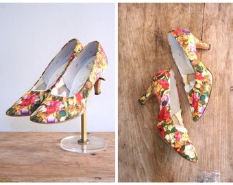 gorgeous 50s silk pumps - vintage high heels / Floral Garden - 1950s pumps / 8.5M - fits true to size