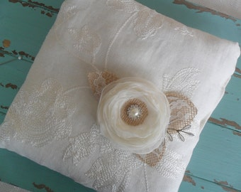 Rustic Ring Bearer Pillow, Lace Ring Pillow, Wedding Accessory, YOUR CHOICE COLOR,Floral Ring Pillow,Bridal Ring Pillow,Outdoor/Barn Wedding