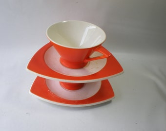 Vintage 2 Sets Streamline by Salem Orange and White Triangle 2 Cups and 2 Saucers