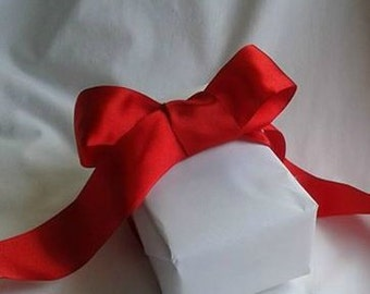 "Red Ribbon / Wire Ribbon / Beautiful Red / Deep Red / Rose Red / 1.5"" X 12 Feet"