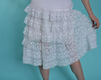 Vintage 1950s White Ruffled Petticoat - Floral Embroidered - Bridal Fashions Size M