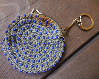 Vintage Japan Change Kiss Lock Purse Keychain Gold Tone 1960s to 1970s Gray With Blue Glass Seed Beads Crocheted Not Perfect