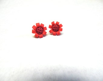 Red Daisy Flower Earrings Post